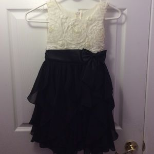 Used kids American princess black and white dress